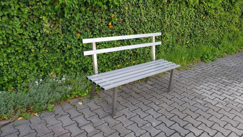Nerezová lavička