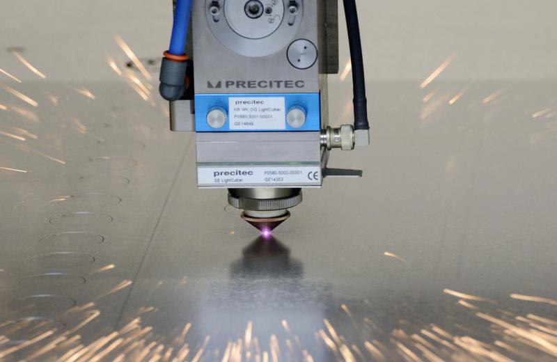 laser-paleni-plechu